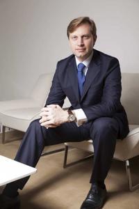 Roger Dubuis ernennt Marco Lazzaroni zum regionalen Markendirektor