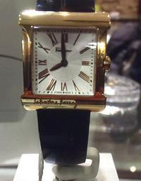 Schmuck und Uhren der Marke Salvatore Ferragamo gestohlen