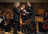 Steven Isserlis mit 14. Glashütte Original MusikFestspielPreis geehrt