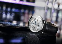 BASELWORLD 2016: Excellence regulator combines tradition and modernity